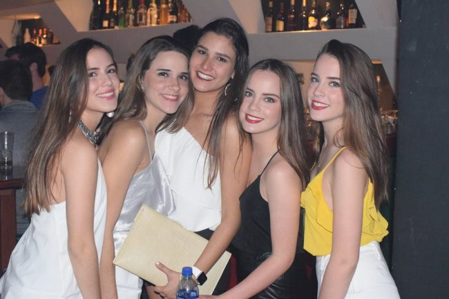 Girls near you Managua singles nightlife hook up bars
