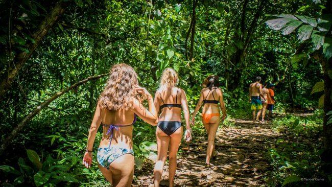 Model Hooker in Bocas del Toro