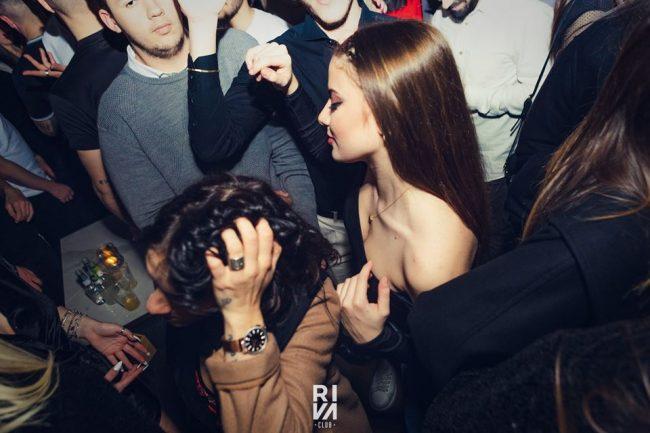 Girls near you Bari singles nightlife hook up bars