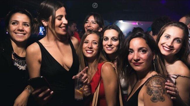 Singles nightlife Mendoza pick up girls get laid