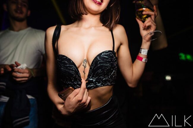 hook up with girl in turin