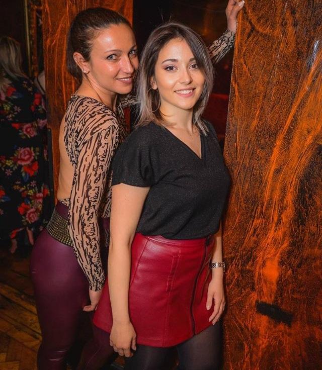 Girls near you Oxford singles nightlife hook up bars