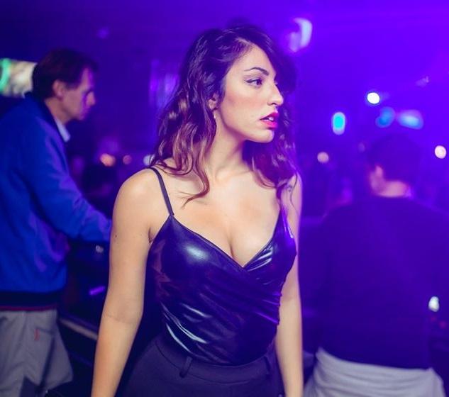 Girls near you Stockton singles nightlife hook up bars