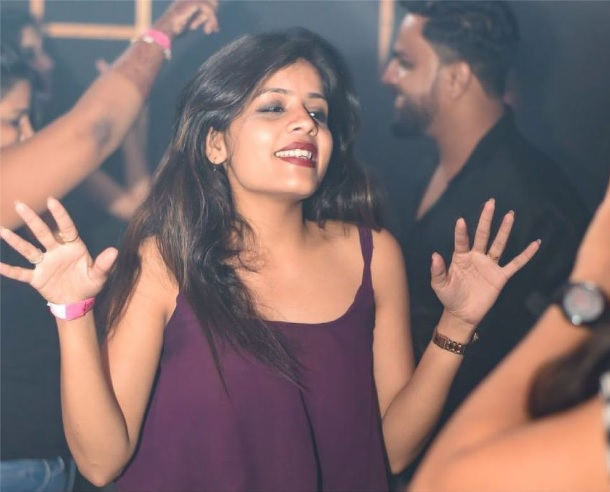 Girls near you Nagpur singles nightlife hook up bars