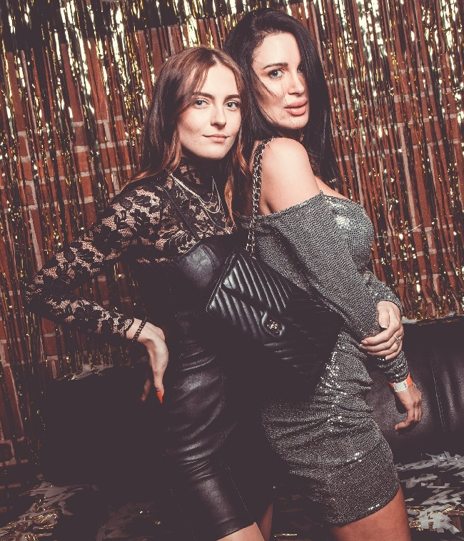 Girls near you Salzburg singles nightlife hook up bars